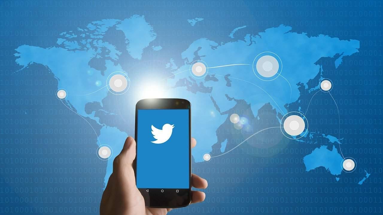 smartphone, twitter, mobile phone